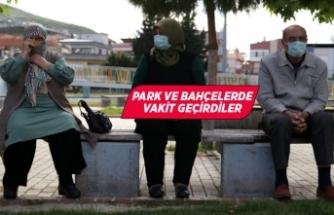 İzmir ve çevre illerde 65 yaş ve üzeri vatandaşlar dışarı çıktı