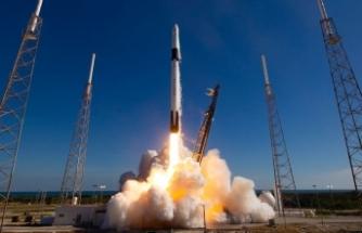 Falcon 9 roketi karaya ulaştı