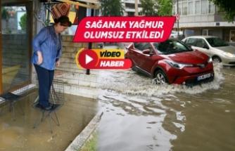 İzmir'de sağanak, su birikintileri ve baskınlarına neden oldu