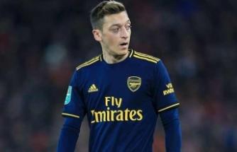 """""""Mesut Özil'e yapılan beyinsizlik!"""""""
