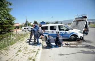 Eskişehir'de polis aracı devrildi!