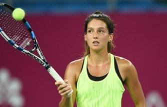 Milli tenisçi İpek Soylu, sağ el bileğinden ameliyat edildi