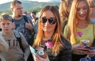 Antalya'ya bugün 23 bin Rus turistin gelmesi bekleniyor