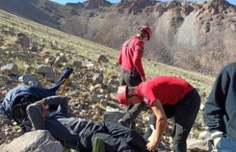Erciyes'te mahsur kalan dağcıyı JAK kurtardı
