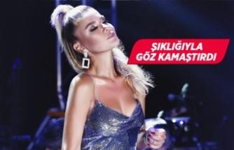 Gülben Ergen, şarkılarını Saadettin Saran için söyledi