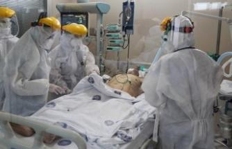 Hastanelerde yer kalmadı, 50 yaş üstü ilaç verilipevlerine gönderiliyor