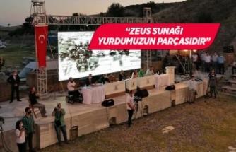İzmir Büyükşehir Belediye Meclisi tarihi alanda gerçekleştirildi