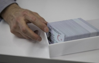 Bakan Soylu: 21 Eylül'den itibaren yeni tip sürücü belgeleri yeni nesil kimlik kartlarına yüklenmeye başlanacak