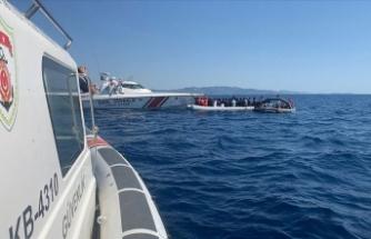 İzmir'de botları sürüklenen 6 düzensiz göçmen kurtarıldı
