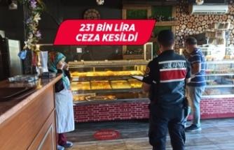 İzmir'de Kovid-19 tedbirlerine uymayanlara ceza kesildi
