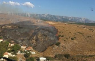 İzmir'de otluk alanda çıkan yangın kontrol altına alındı