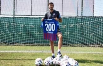Sinan Osmanoğlu, Altınordu'da 200. lig maçına çıkacak