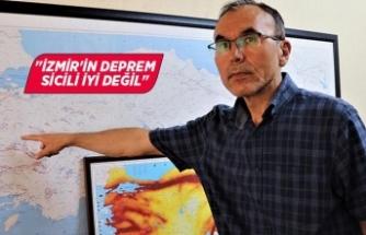 """Deprem uzmanı Özmen'den """"İzmir depremi"""" açıklaması"""