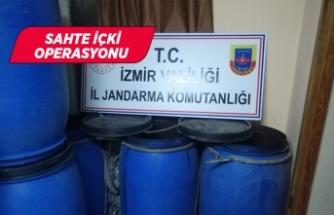 İzmir'de bin 980 litre sahte içki ele geçirildi