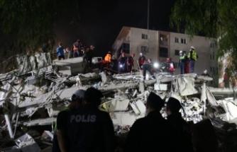 İzmir'de enkazdan 30 saat sonra çıkarıldı ancak...