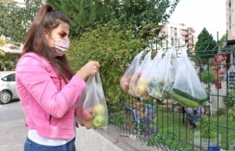 """Manisa'da """"askıda meyve sebze"""" uygulaması"""