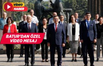 Yolumuz Cumhuriyet, Pusulamız Atatürk