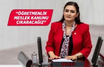 CHP'li Av. Sevda Erdan Kılıç'tan öğretmenler günü mesajı