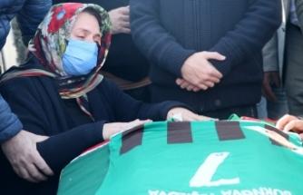 Depremden 28 gün sonra vefat eden futbolcunun cenazesi defnedildi