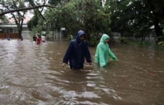 Endonezya'da sel nedeniyle 1078 ev su altında kaldı