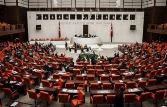 Meclis'teki dört partiden Fransa'ya kınama