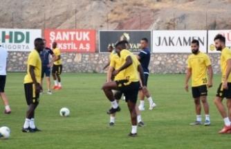 Yeni Malatyaspor'da 2 futbolcunun Kovid-19 testi pozitif çıktı