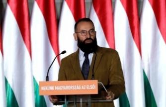 Muhafazakar siyasetçi 24 erkekle partide basıldı