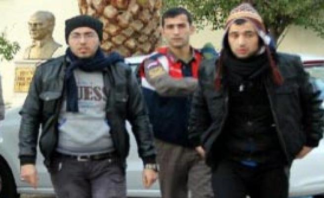 33 Suriyeli Kaçak Yakalandı