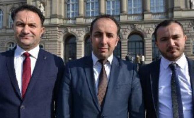 'Türkler Varlığını Göstermeli'