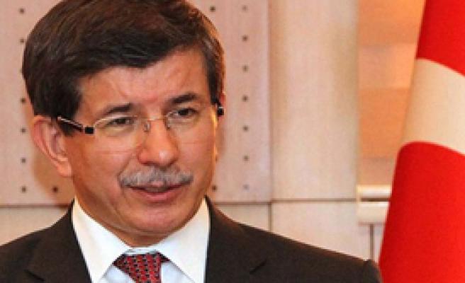 Davutoğlu Vize Muafiyetini Görüştü