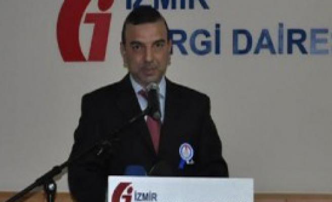 İzmir'in Vergi Rekortmenlerine Plaket