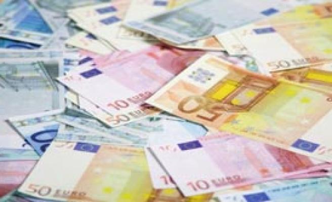Letonya Euro'ya Geçti