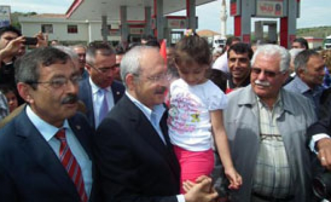 Kılıçdaroğlu: Süt Dağıtımında Öğretmenler Kobay Oldu
