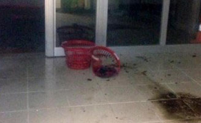 Van'da Olimpik Havuza Molotoflu Saldırı