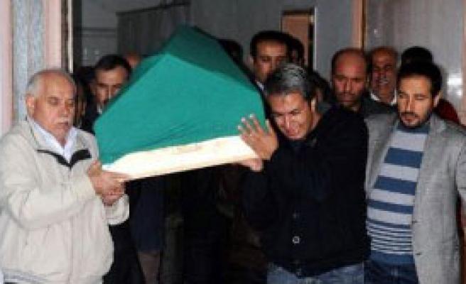 Semanur'un Cenazesi Adli Tıp Kurumu'na Gönderildi