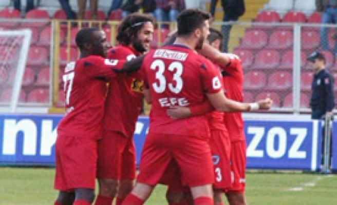 Manisaspor Kötü Futbola Üzüldü