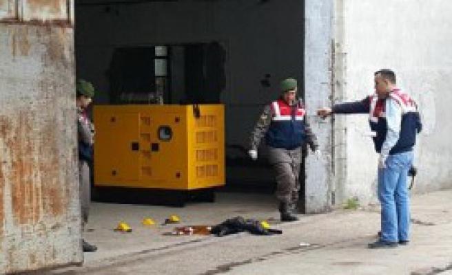 Fabrikada Silahlı Kavga: 1 Ölü
