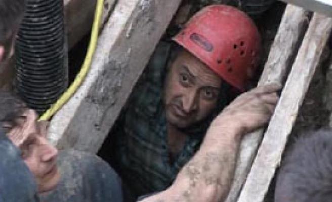 Bir İşçi Göçük Altında Kaldı