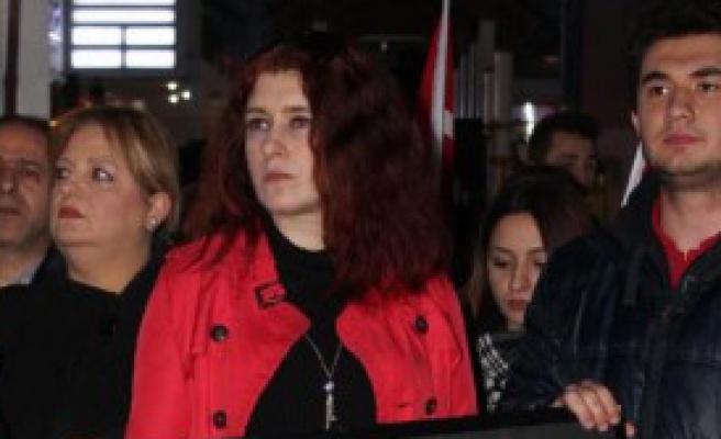 CHP'li Gençler Meşalelerle Yürüdüler