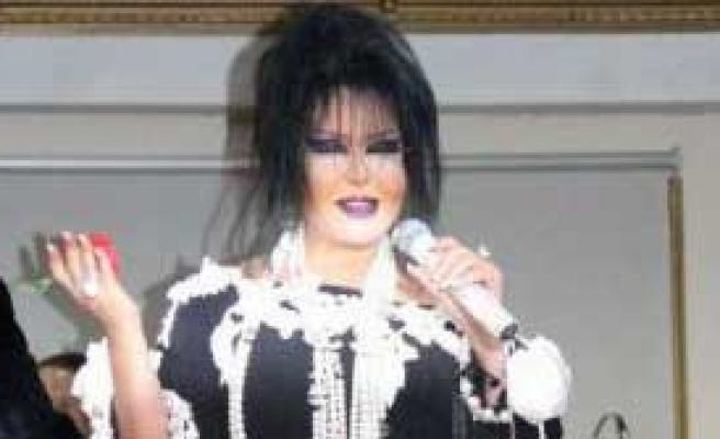 Diva'dan Menajerine Fırça