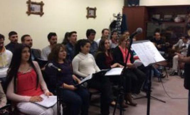 Türk Halk Müziği Korosu Çalışmalara Başladı