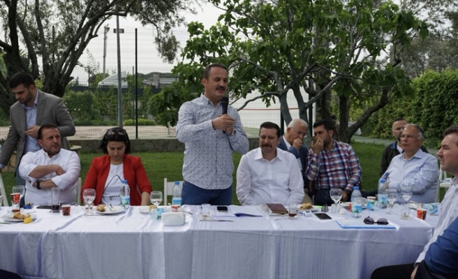 AK Partili Şengül, teşkilatını evinde ağırladı