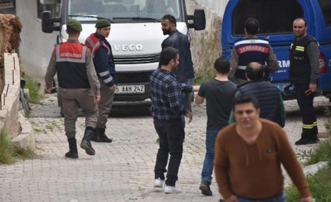 İzmir'de görülmemiş protesto, kendilerini ihbar ettiler