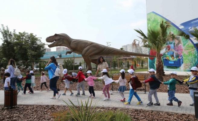 Karşıyaka Çocuk Müzesi dünyaya açıldı