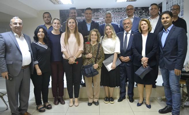 Aday adaylığını CHP İl Binası'nda açıkladı