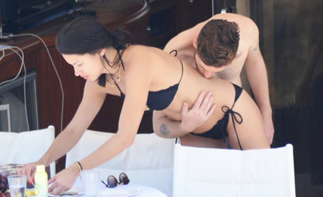 Adriana Lima ve Metin Hara'dan yatakta aşk pozu