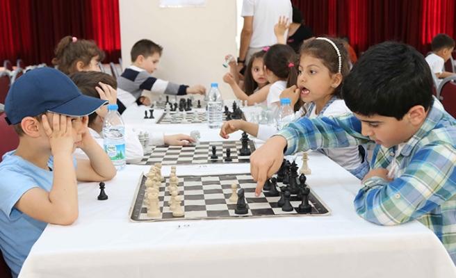 Bayraklı'da çekişmeli turnuva!