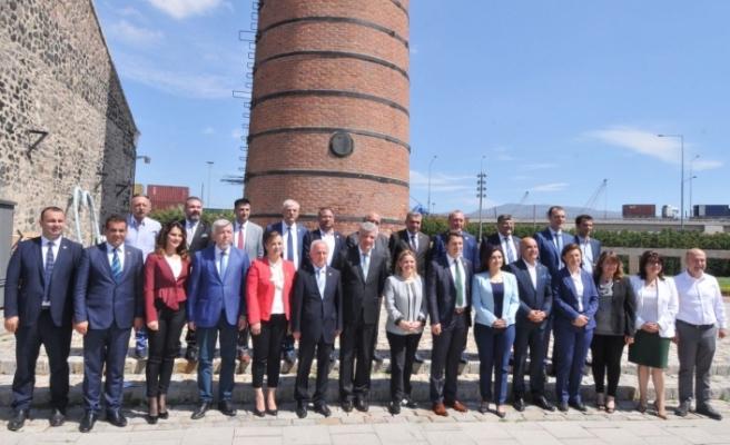 CHP İzmir adayları görücüye çıktı