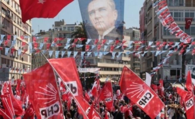 CHP İzmir'de, aday listeleri Başkan Yücel'de