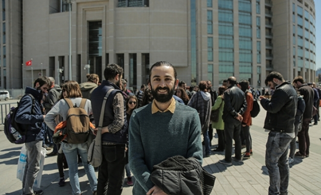 """""""Diktatörlüğü durdurabiliriz"""" haberi sonrası gözaltı"""